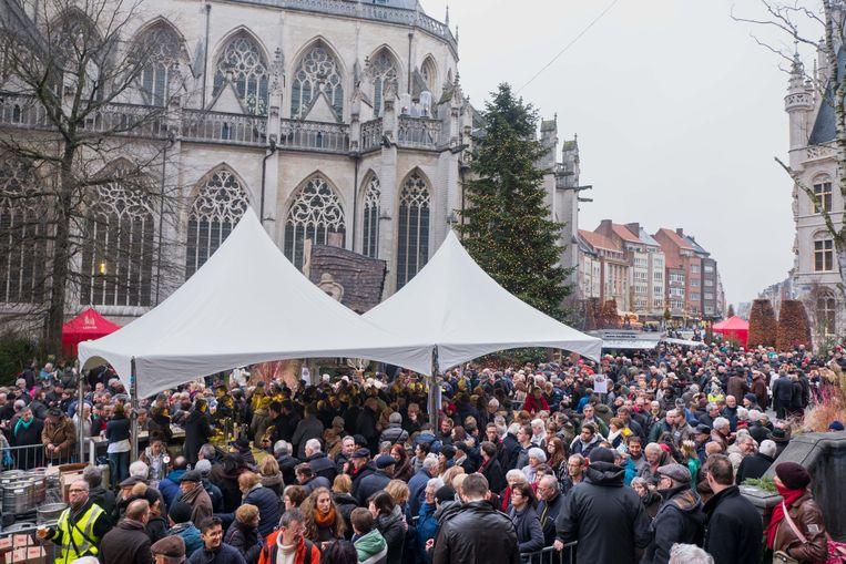 Er kwamen naar schatting zo'n 6.000 Leuvenaars naar de Nieuwjaarsdrink.