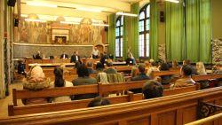 Oproepingsbrief niet begrepen, geen wekker door platte gsm-batterij of wachten op telefoontje: dertig bijzitters en voorzitters stem- en telbureus voor de rechter