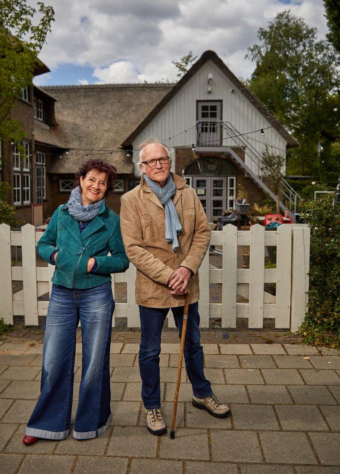Ferdinand Sikken en Joyce Trek van Podium Vreewijk voor Het Witte Paard.
