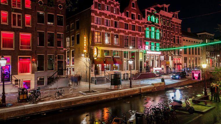 Het gaat niet van de ene op de ander dag, maar het verdwijnen van prostitutie op de Wallen kan het resultaat zijn van ingrijpen door de gemeente Beeld Getty Images