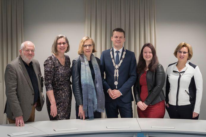 Het college van burgemeester en wethouders in Waddinxveen dat is gevallen na een discussie over het vertrek van wethouder Martin Kraaijestein (PvdA/GroenLinks).