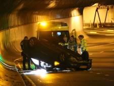 Ongeluk na ongeluk in de Willemstunnel: met al deze voertuigen ging het in een jaar tijd al mis