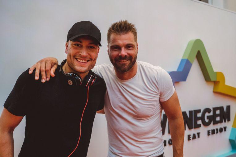 Viktor Verhulst en Kobe Ilsen zakten vrijdagavond naar Wijnegem Shopping af om daar een machtige dj-set te spelen, volledig in roller disco-stijl, voor 1000 feestvierders