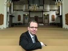 Dominee van Andelst wordt legerpredikant: 'Als jochie verzamelde ik al legerposters'