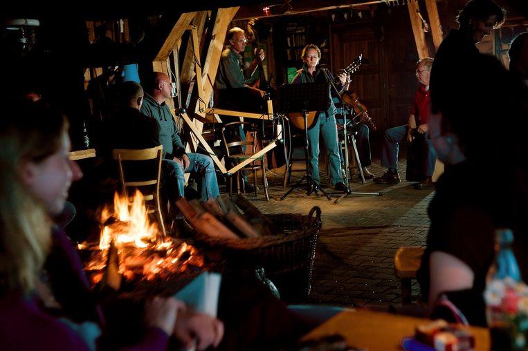 Anine & Harm-Wulf Sluyterman. Vammen Camping ved Tjele langsø. Foto: Lars Horn / Baghuset Dato: 23.05.09 Beeld