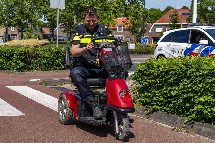 De politie moest de scootmobiel meenemen naar het bureau.
