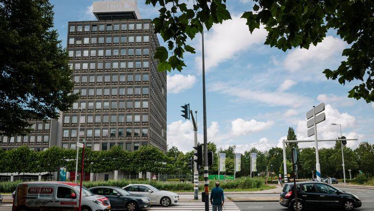 Het oude ING-kantoor aan de Haarlemmerweg Beeld Marc Driessen
