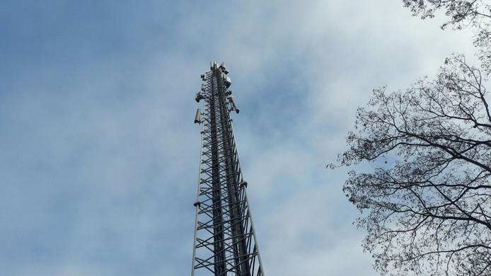 Het mobiele bereik in een deel van Borculo is momenteel een ramp. En dat blijft nog wel even zo, verwacht KPN.