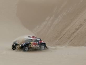 Leider Nasser Al-Attiyah wint voorlaatste Dakar-etappe, Stéphane Peterhansel moet met finish in zicht opgeven