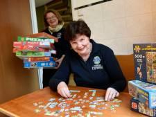 Eenzame ouderen in Woerden kunnen binnenkort elke maand een legpuzzel lenen