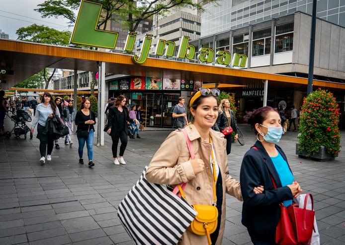 In Rotterdam geldt vanaf woensdag 5 augustus een mondkapjesplicht in drukke gebieden.