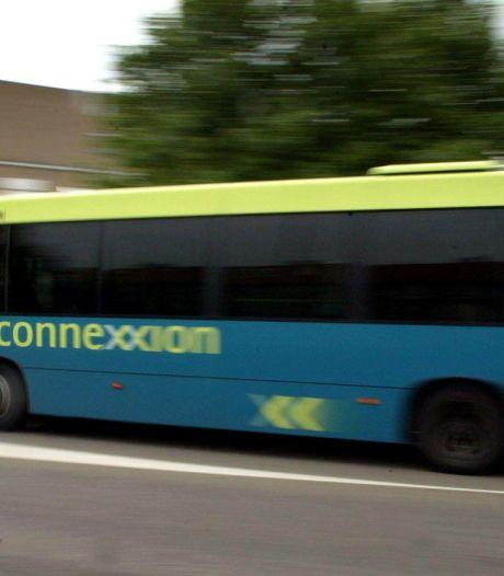 Vanaf maandag mag je weer voorin instappen in de bus (en een kaartje kopen bij de chauffeur)