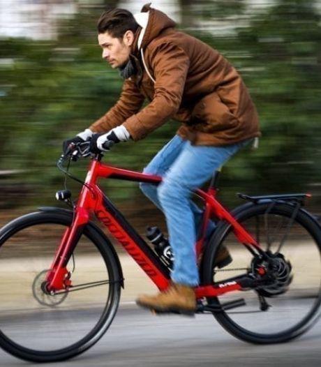 Hoe ver komt elektrische fiets in de praktijk? Handige calculator rekent het uit