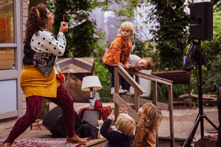 Maya Link in de Tolhuistuin: 'Het muzikale gehoor van kinderen wordt onderschat.' Beeld Mohammad alzoabi