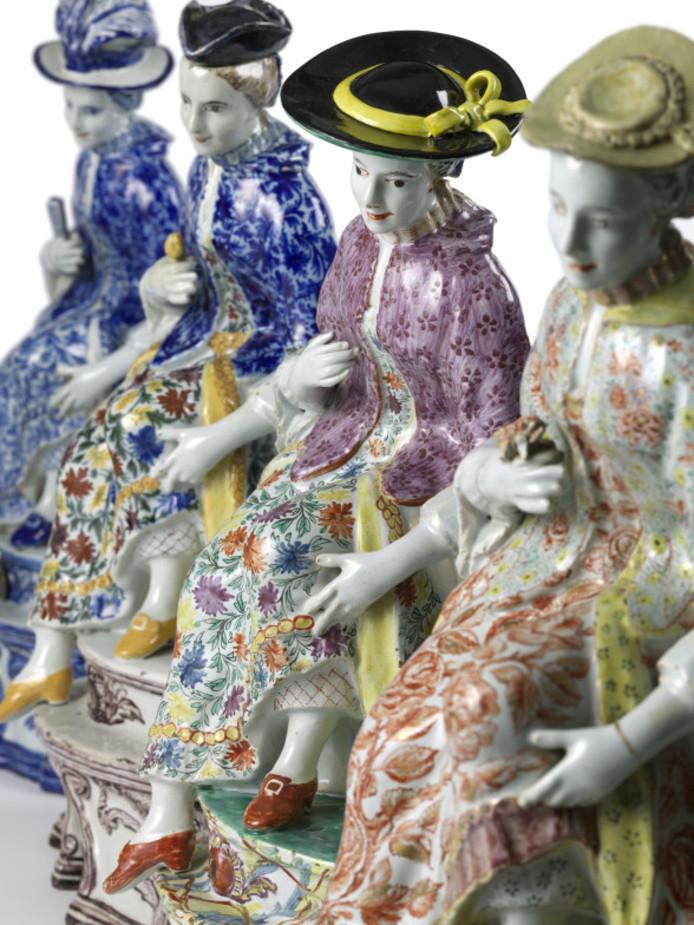 Gemeentemuseum Den Haag krijgt een van de grootste en belangrijkste privéverzamelingen Delfts aardewerk ter wereld in langdurig bruikleen: De Lavino Collectie, van de in 2005 overleden staalindustrieel Meijer Lavino.