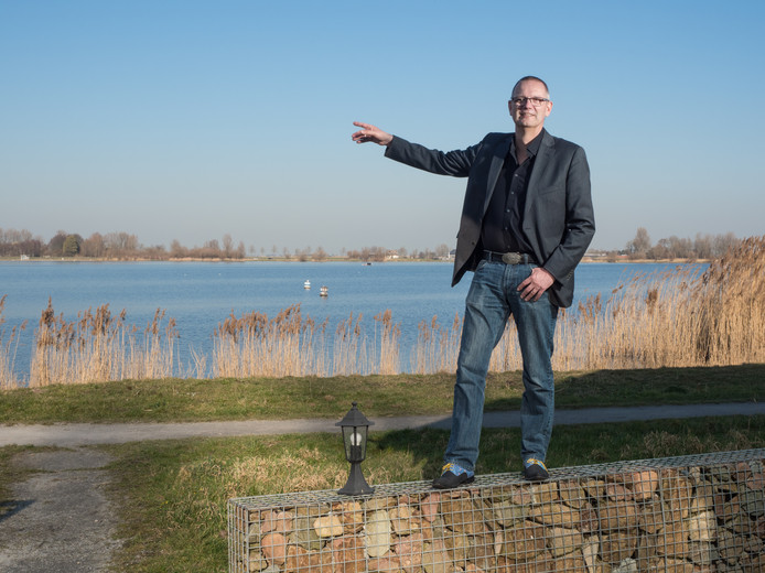 Rens Schipper Energie specialist poserend bij het Noord AA in Zoetermeer