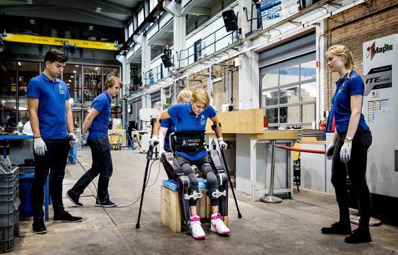 Een voorbeeld van een exoskelet, gemaakt door het Delftse studententeam Project MARCH.