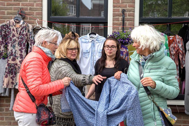 Harderwijk, vrijmarkt Koningsdag  Beeld Pauline Niks