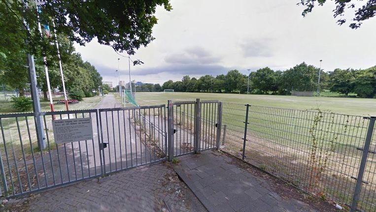 De voetbalclub SDW ligt op het sportpark Spieringhoorn in Sloterdijk Beeld Google Streetview
