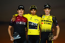 Steven Kruijswijk met Egan Bernal en Geraint Thomas op het eindpodium in de Tour de France.