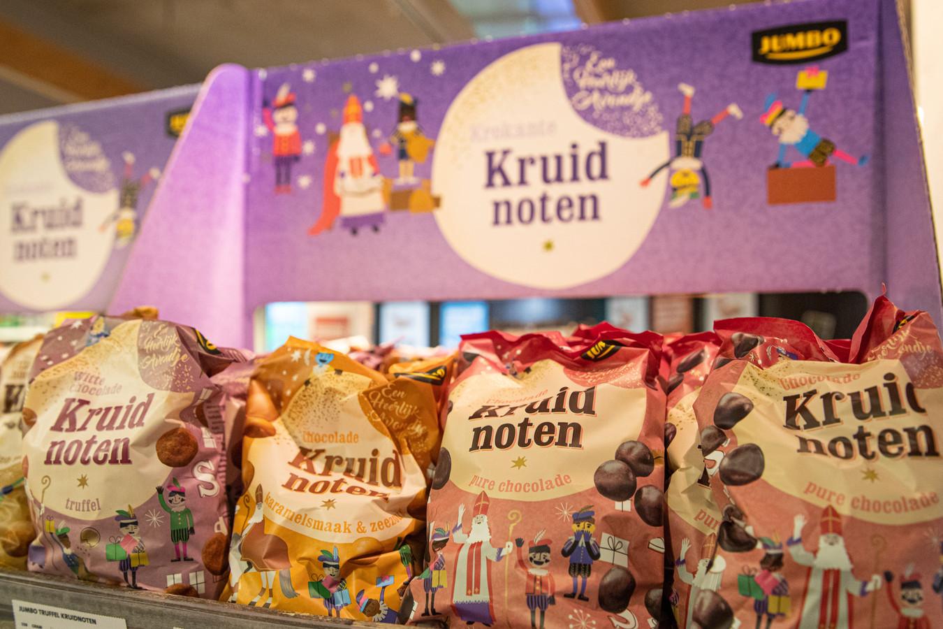Bij Jumbo in Laren waren de eerste pepernoten al te vinden toen de hittegolf nog door het land ging.