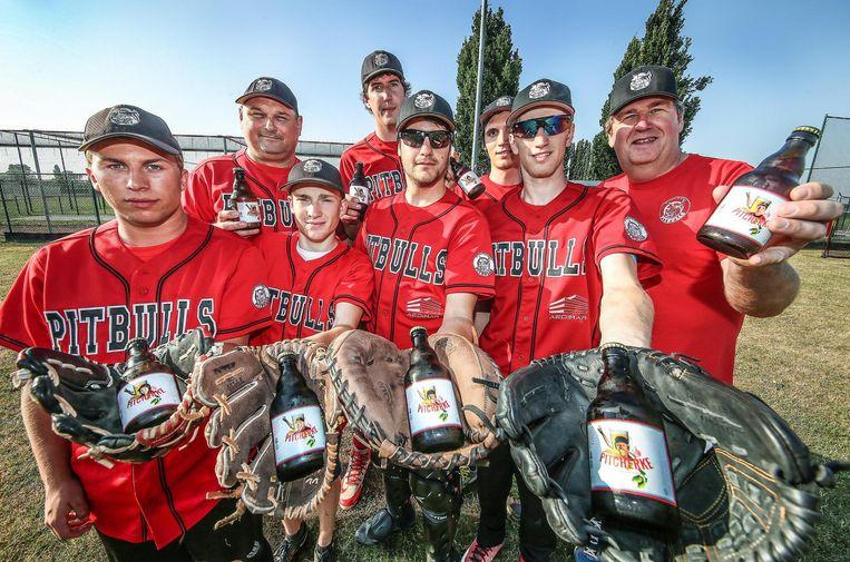 Soft- en baseballclub De Pitbulls viert zijn 30ste verjaardag dit weekend met een eigen biertje.