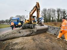 Nieuwe bestrating rond rotondes in Oldenzaal