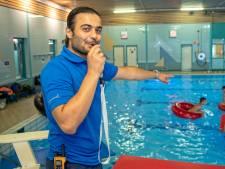 Statushouder Saleh: van nul diploma's naar zweminstructeur