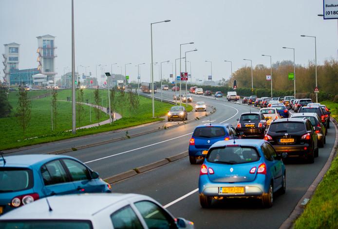 Ook de Algerabrug is een dagelijkse bron van verkeersellende.