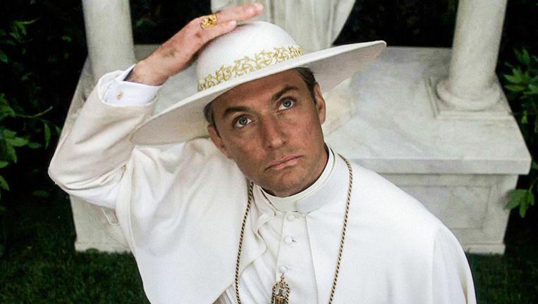 Jude Law als Lenny Belardo in The Young Pope. Beeld