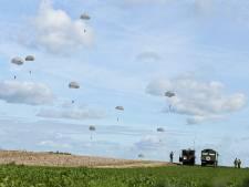Vandaag weer duizend para's boven Groesbeek, nu als militaire oefening
