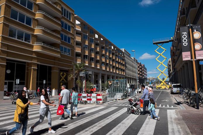 Leidsche Rijn Centrum vijf weken na de officiële opening; er wordt nog steeds gebouwd.