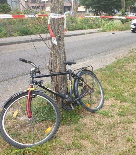 Fietser gewond bij botsing met auto in Hengelo