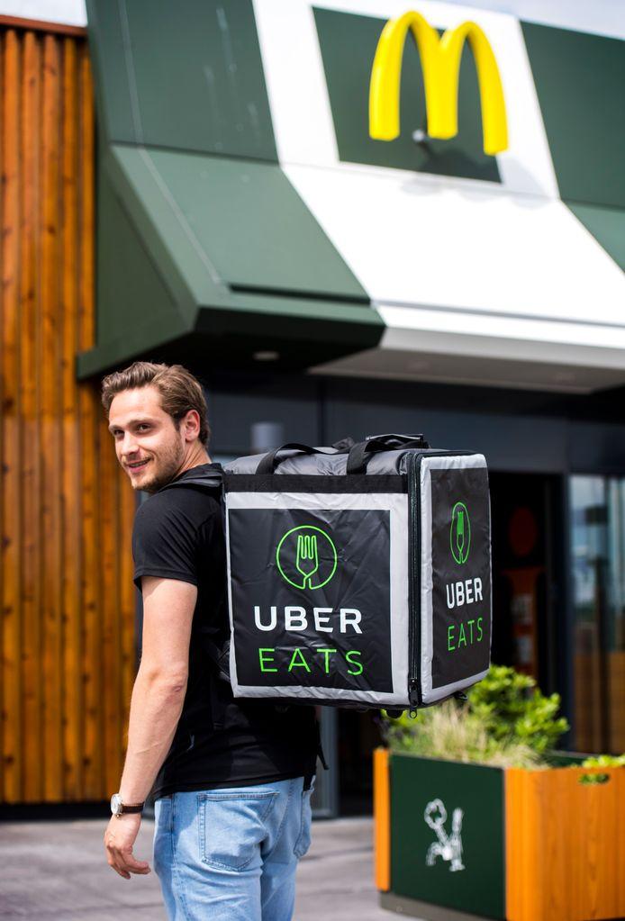 McDonald's startte zijn McDelivery twee jaar geleden met Uber Eats. Die bezorgdienst is echter stukken kleiner dan Thuisbezorgd.nl