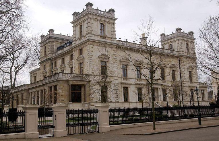 Villa aan Kensington Palace Gardens, de duurste straat van Groot-Brittannië.  Beeld EPA