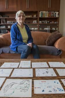 Els uit Son en Breugel koestert  kaartjes van Beatrix, Irene, Margriet en Marijke