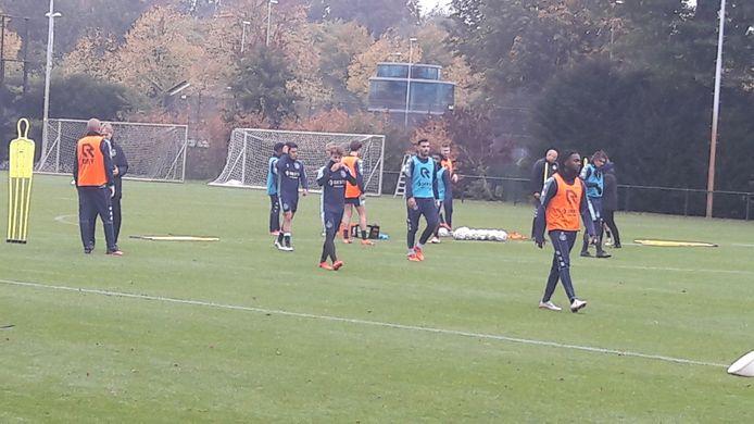 Willem II bij de eerste training op weg naar de wedstrijd tegen PEC Zwolle.