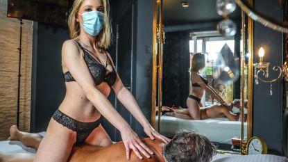 """Drukke heropstart in erotische massagesalons: """"Zolang mannen je borsten kunnen zien, kan een mondmasker hen weinig schelen"""""""