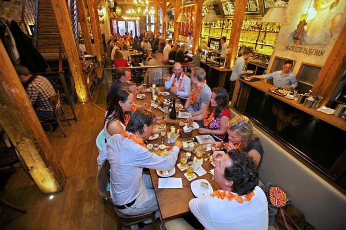 Bij de in 2012 geopende Boterhal in Breda kun je lunchen, borrelen of dineren voor een schappelijke prijs.