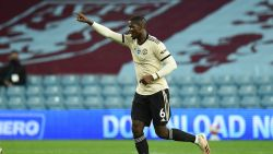 Football Talk. United laat geen steek vallen bij Aston Villa - Geen publiek bij vervolg CL en EL - Waasland-Beveren oefent tegen PSG