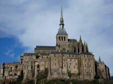Mont Saint-Michel ontruimd: politie zoekt man die agenten wil vermoorden