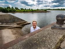 Boot te water bij de Loswal in Wijhe? 'Je rijdt je auto kapot of belandt in de IJssel'