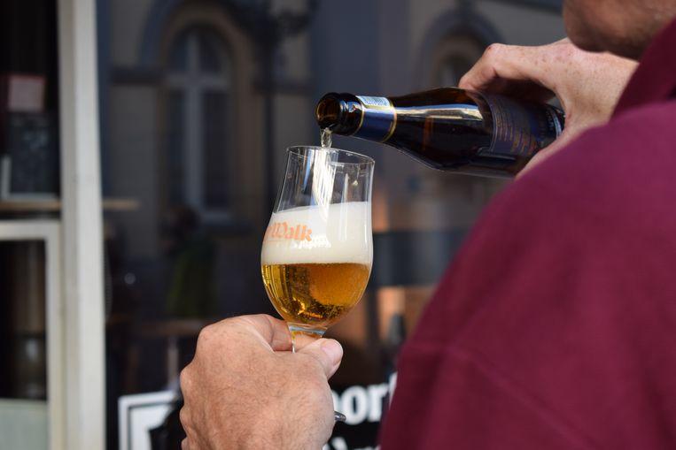Deelnemers krijgen een glas van BeerWalk mee naar huis