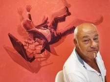 Culemborgse kunstenaar protesteert tegen Brexit met filmposter van neerstortende man