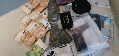 Nieuw wapen tegen drugscriminelen: 'Verbied op zak hebben van meer dan 2000 euro cash op straat'