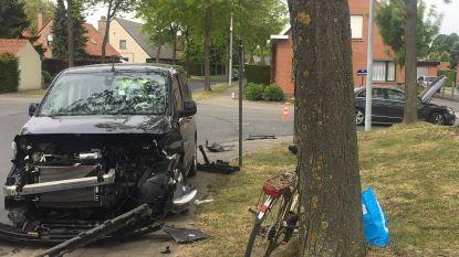 Automobiliste gewond bij klap op kruispunt aan Delhaize in Izegem