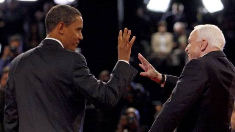 Obama en McCain voor hun laatste debat. (AP) Beeld