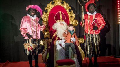 Sinterklaas brengt tijdens intrede niet alleen Zwarte Pieten mee, maar ook Geena Lisa en oliebollen