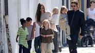 Brad Pitt ziet kinderen voor het eerst terug sinds breuk met Angelina