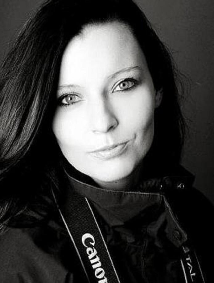 Sara Firth,